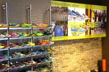 The running store kicked off its South Loop opening with a fun run and contest.