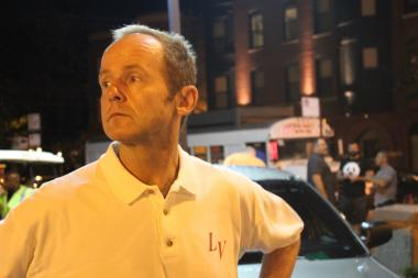 Ald. Tom Tunney (44th) led a crime walk in Lakeview amid fears of rising crime