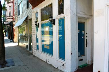 Blue Door Farm Stand, a farm-to-table restaurant, is preparing to open at 843 W. Armitage Ave. in October.