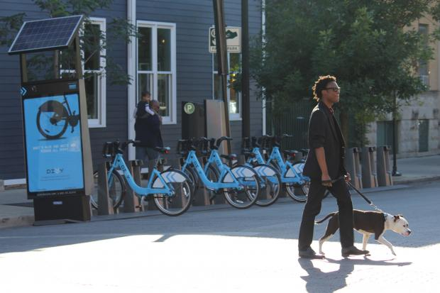 The first Divvy bike station in Andersonville debuted at the intersection of North Clark and West Winnemac avenues this week.