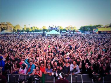 The crowd at Riot Fest cheers for Yellowcard.