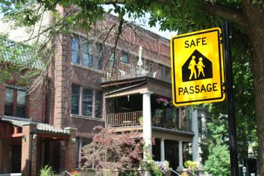 Safe Passage signs in Hyde Park have baffled some residents.