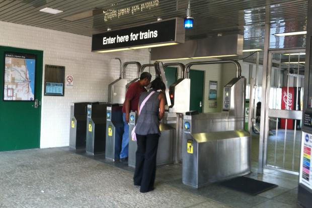 Red Line passengers said they were confused about Ventra, the new CTA payment system.