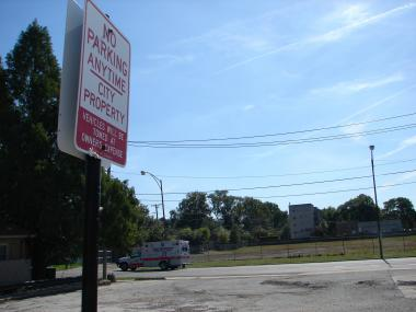 A long vacant parcel at 115th Street and Western Avenue is slated to become an indoor ice rink and gymnastics center.