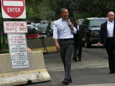 The University of Chicago released a report on Monday that said the South Side would benefit if Barack Obama puts his presidential library near his Kenwood home somewhere on the South Side.
