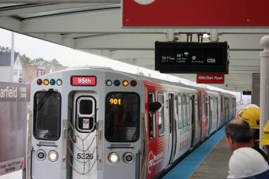 The Chicago Transit Authority will hold an open house Tuesday night to discuss the possible project. (File photo)