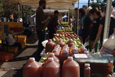 The 61st Street Farmers Market will attempt to stay open all year for the first time this winter.