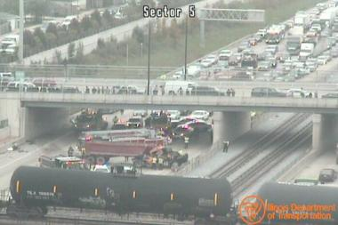 Traffic is blocked on the Dan Ryan Expy., as seen from an IDOT camera at 90th Street.