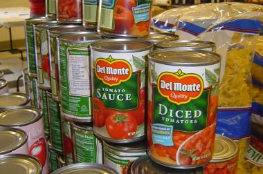 Bistro Campagne is a holding a cans-free, virtual food drive to benefit the Greater Chicago Food Depository.