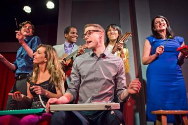 The University of Chicago's Center for Decision Research will study the Second City Training Center for keys to human interaction as played out in improv classes like this.