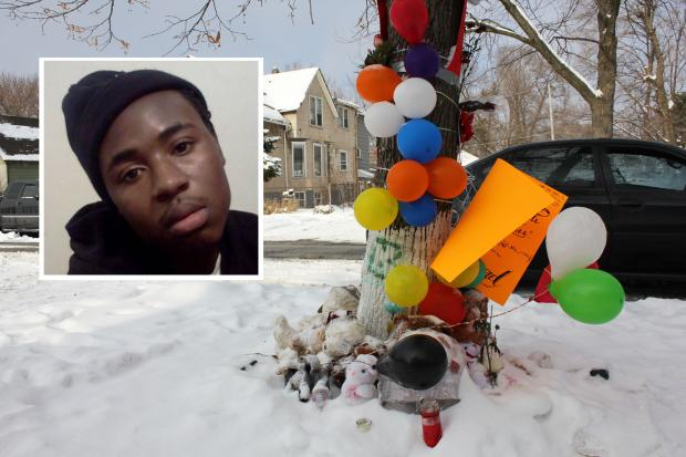 Darnell Williams, 17, was shot to death as he walked to a store to pay his cellphone bill, family said.