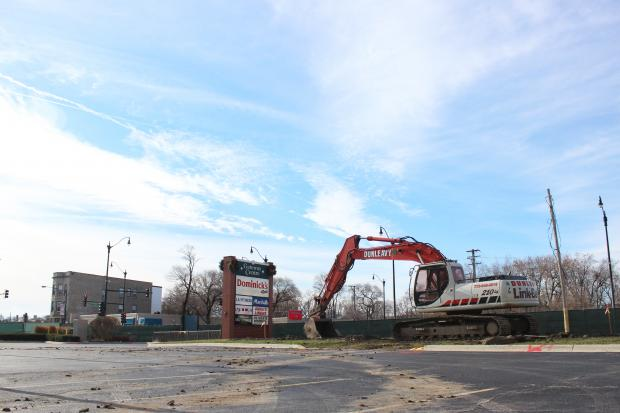 Community members were uneasy about a Burger King magnate's hopes to build a drive-through restaurant in Rogers Park.