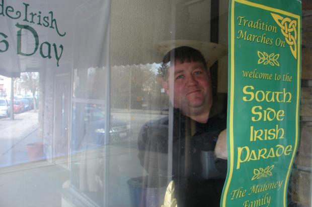 Organizers of the South Side Irish St. Patrick's Day Parade have opened a storefront on Western Avenue to sell T-shirts and mini-banners for the holidays.