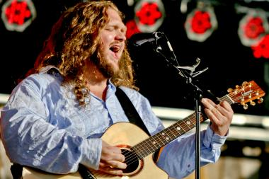 Blues and folk artist Matt Andersen performs at Lincoln Hall Tuesday.