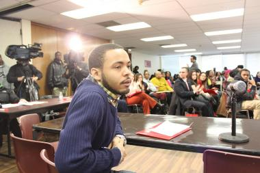 Cesario Williams from the Chicago Area Project pushed lawmakers to follow through on promises to create more summer job opportunities at a forum on teen unemployment Friday at the Chicago Urban League.