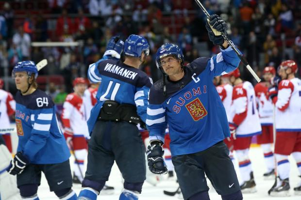 Chicago's Finnish hockey fans celebrated Finland's 3-1 victory over Russia in the Olympics quarterfinal round.