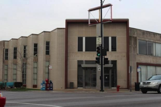 Binny's Beverage Depot secured a permit to renovate the former Bank of America at 4901 W. Irving Park Road, which has sat vacant since 2014.