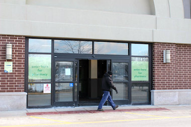 Mariano's has retained customers from the shuttered Dominick's as it preps for an April debut.