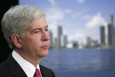 "Michigan Gov. Rick Snyder advised Michigan grads to choose Detroit over Chicago ""If you want to make a difference."""