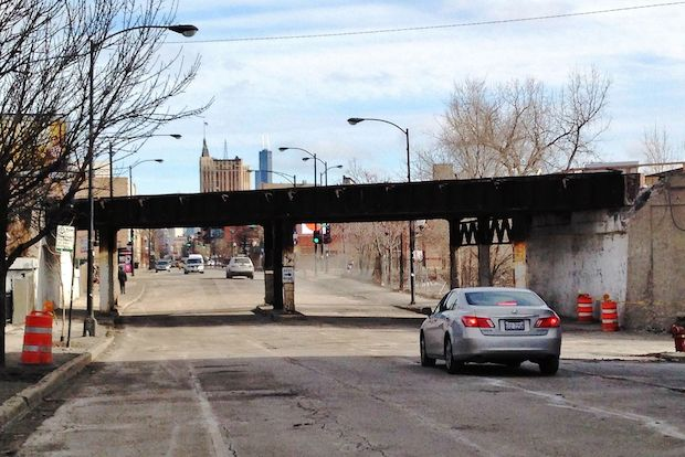 Photos of the Milwaukee Avenue bridge over the Bloomingdale Trail.
