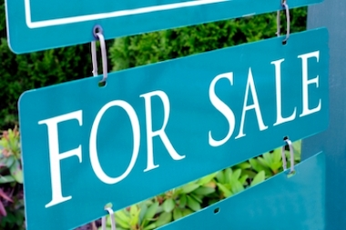 A new report finds that fewer homes were sold in February but median prices were up.