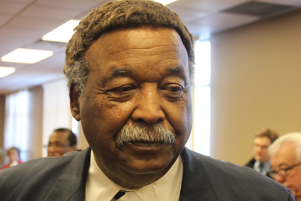 Former alderman Robert Shaw announced his candidacy Thursday for mayor of Chicago.