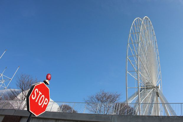 The Navy Pier Ferris wheel is gondola-free for a few weeks as the red carriages get some updates and a new paint job.