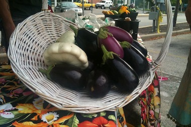The mayor proposes making permanent a pilot program for mobile produce vendors.