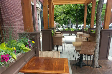 The sidewalk cafe at Nana Organic is a perfect backdrop for al fresco dining in Bridgeport.