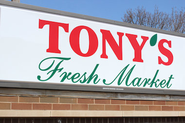 Tony's Finer Foods is holding a two-day job fair at its soon-to-open Lincoln Square store.