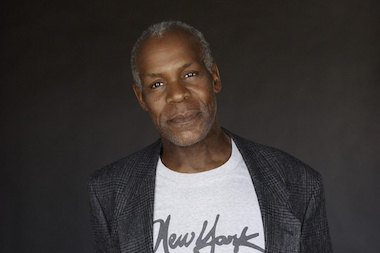 Actor Danny Glover will give a lecture on race and politics at the University of Chicago on Sunday.