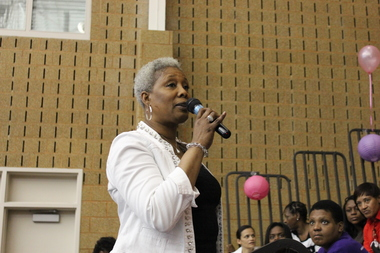 Ald. JoAnn Thompson (16th) speaks at an expo for ex-offenders in May.