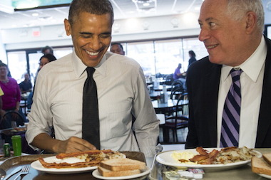 President Barack Obama and Gov. Pat Quinn had breakfast at Valois Restaurant in Hyde Park Friday.