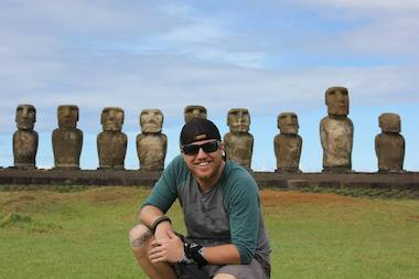 Dale Simpson, who was a Regenstein Intern at the Field Museum of Natural History, is one of five Americans to live most of the year on Easter Island (Rapa Nui), which is famous for its 887 statues called moai. The island, off the western coast of South America, has a population of about 5,700 people.