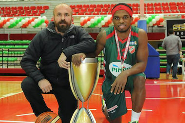 Chicago native Bobby Dixon (r.) led his team to the Turkish Cup, the equivalent of the NBA Championship, in February.