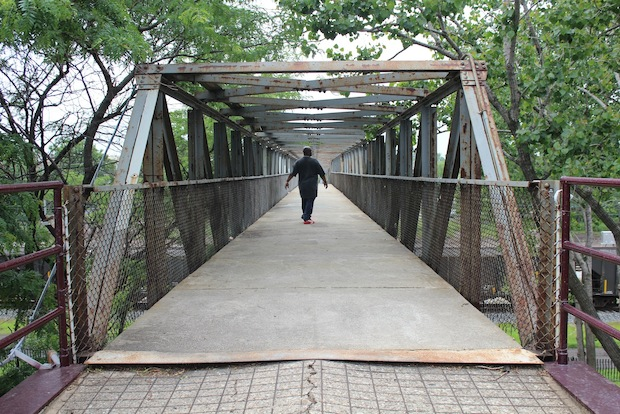 The city is expected to buy Paradise Missionary Baptist Church to make way for a rebuilt 43rd Street pedestrian bridge connecting Kenwood and the lakefront.