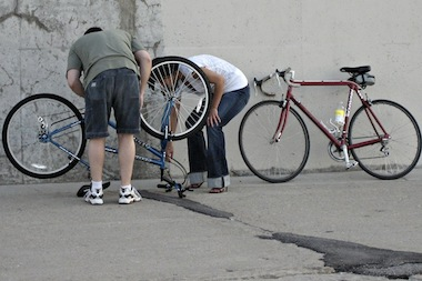 Do-it-yourself bike repair stations could be headed for Andersonville.