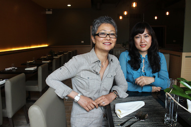 Herb designer Siri Jenthanomma (l.) and owner Patty Neumson opened their restaurant at 5424 N. Broadway.