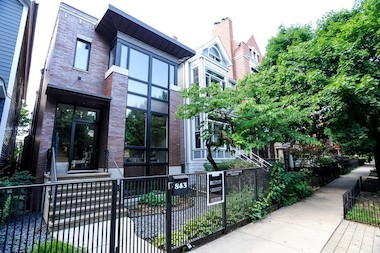 Lincoln Park is atop the city's 77 neighborhoods in average listing price, at $1,010,633 for the week ending Sept. 17.