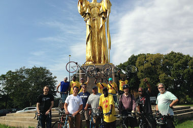 After finishing a Sept. 20, 2014 bike tour on the South Side participants gathered at a Woodlawn park.