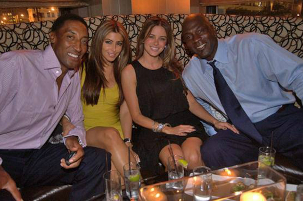 Eat Like Mike At Michael Jordans Steak House Puts Guests In The Hot Seat