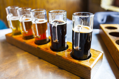 Ravenswood breweries host the grand finale of the inaugural Friday Night Flights craft beer series.