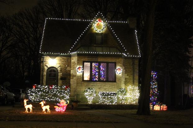 Sauganash Christmas Lights