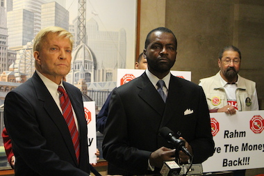 Ald. Bob Fioretti and WVON-AM host Mark Wallace, director of Citizens to Abolish Red Light Cameras, which is backing his mayoral candidacy.