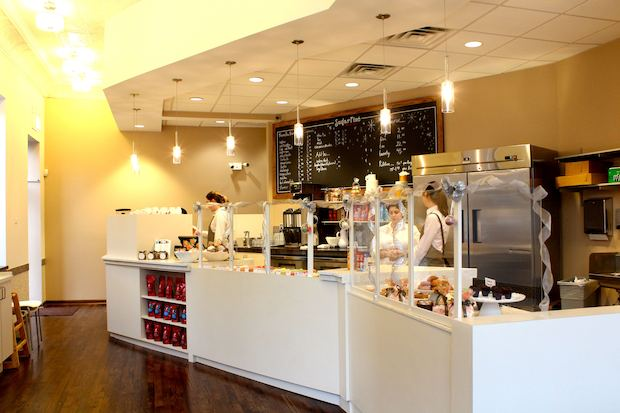 Sugar Fixe Macaron opened Friday in Lincoln Park.