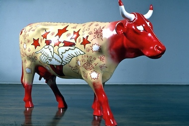 """Vaca Victoria,"" Ed Paschke's contribution to the 1999 ""Cows on Parade"" public art exhibit, was yanked from the show."