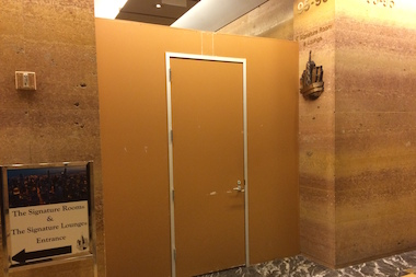 The Signature Room U0026 Lounge Owner Has Sued Its Landlord Over This Temporary  Wall, Which