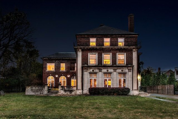 Historic rosenwald mansion up for sale for only second for Chicago mansion for sale