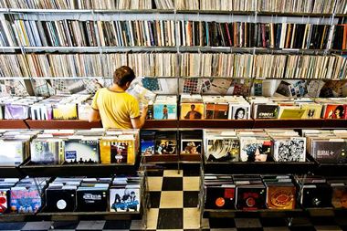 Are Vinyl Record Stores Profitable? New Pilsen Shop Hopes So