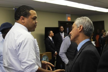 Mayor Rahm Emanuel introduced the Chicago Startup Bootcamp program on Tuesday, May 19 2015 at the Englewood Blue1647 business incubator. Emanuel meets business owner A'Keem Muhammad.